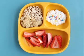 toddler-breakfast-idea-snack-plate